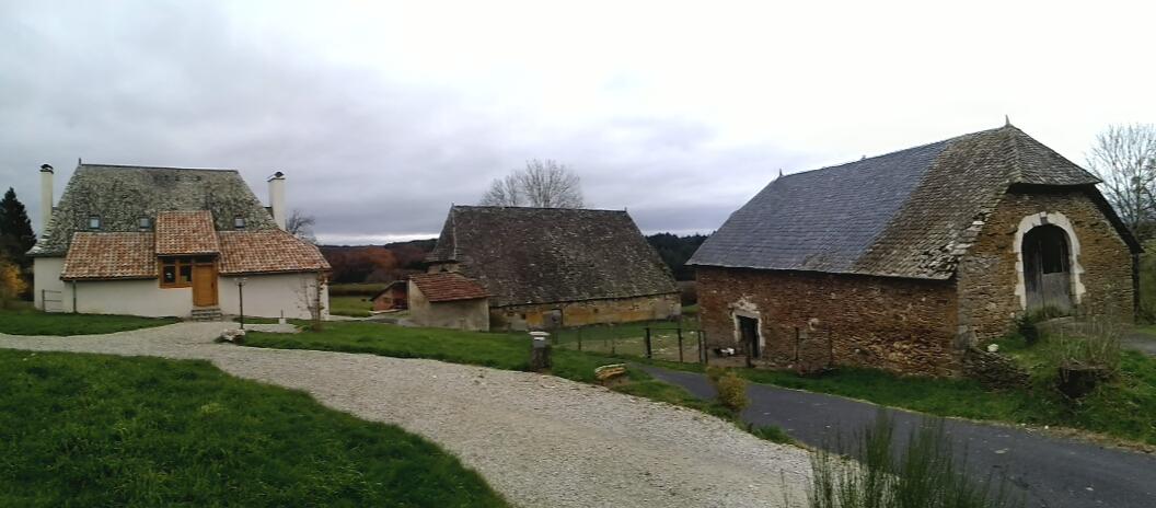les anciennes granges et les gites